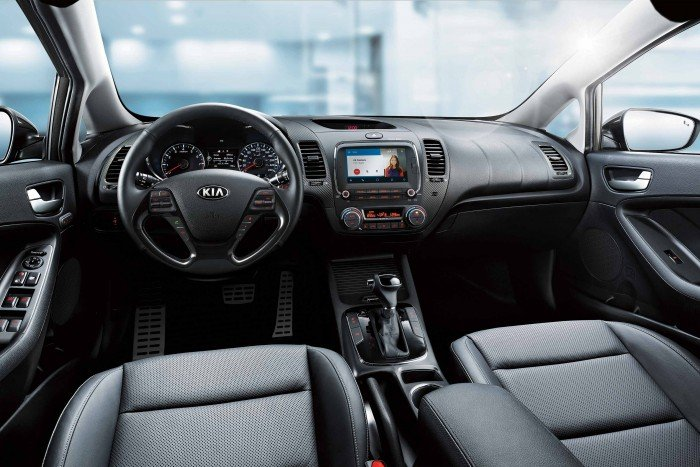 Cho thuê tự lái Kia Cerato 2017 mới đẹp giá cả phải chăng