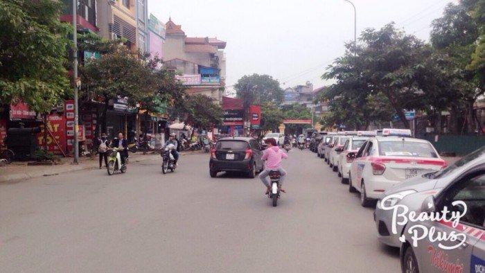 Bán nhà 3 lầu mặt phố Ngô Xuân Quãng. DT 68m2, MT 5,5m, hướng ĐN