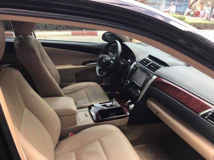 Cần bán chiếc Toyota Camry 2.5G 2013 màu đen long lanh 2