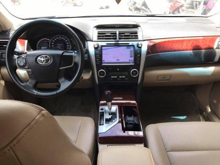 Cần bán chiếc Toyota Camry 2.5G 2013 màu đen long lanh 3