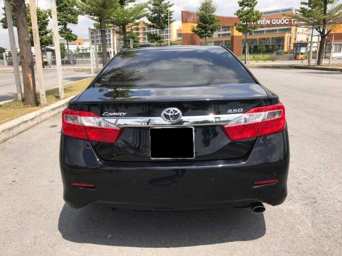 Cần bán chiếc Toyota Camry 2.5G 2013 màu đen long lanh 7