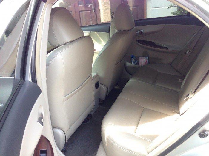 Cần bán chiếc Toyota Altis 1.8at 2010 màu bạc zin 4
