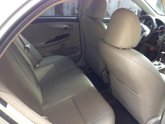 Cần bán chiếc Toyota Altis 1.8at 2010 màu bạc zin 8