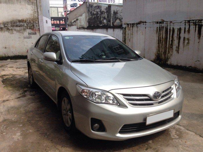 Cần bán chiếc Toyota Altis 1.8at 2010 màu bạc zin 7