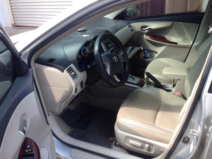 Cần bán chiếc Toyota Altis 1.8at 2010 màu bạc zin 1