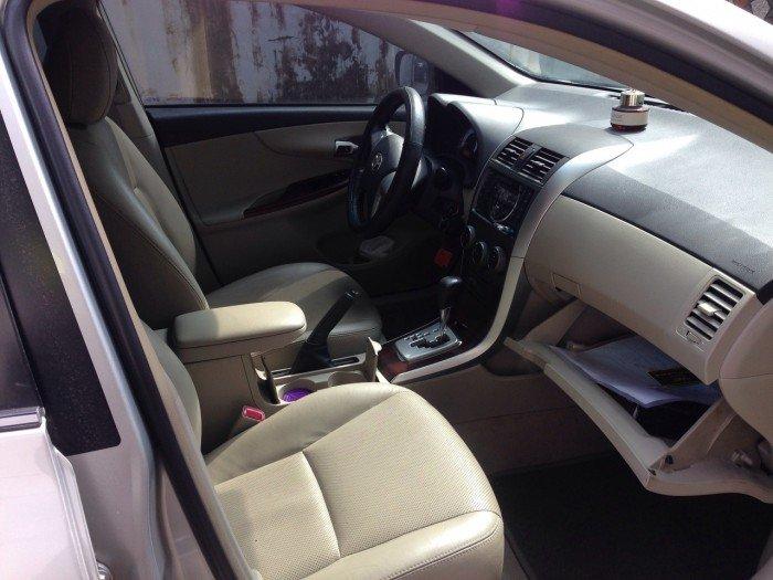 Cần bán chiếc Toyota Altis 1.8at 2010 màu bạc zin 3