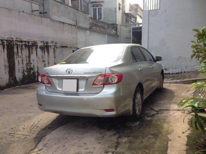 Cần bán chiếc Toyota Altis 1.8at 2010 màu bạc zin 2