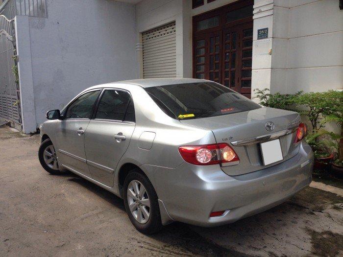 Cần bán chiếc Toyota Altis 1.8at 2010 màu bạc zin 6