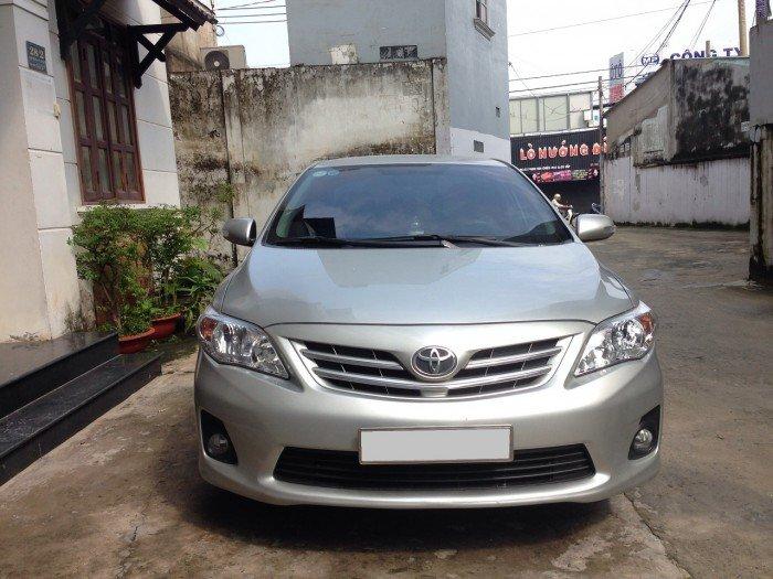 Cần bán chiếc Toyota Altis 1.8at 2010 màu bạc zin 5