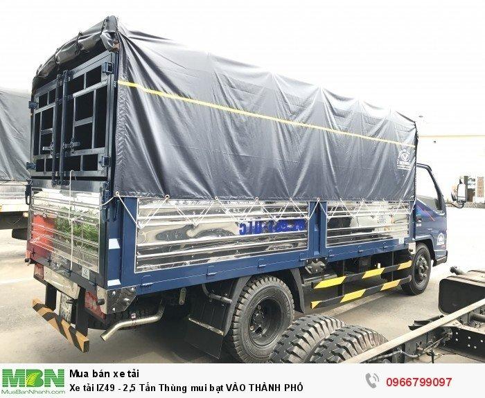 Xe tải IZ49 - 2,5 Tấn Thùng mui bạt VÀO THÀNH PHỐ 2