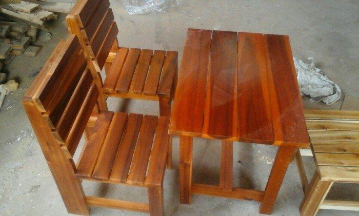 Bộ ghế gỗ lưng dựa nhỏ xinh0