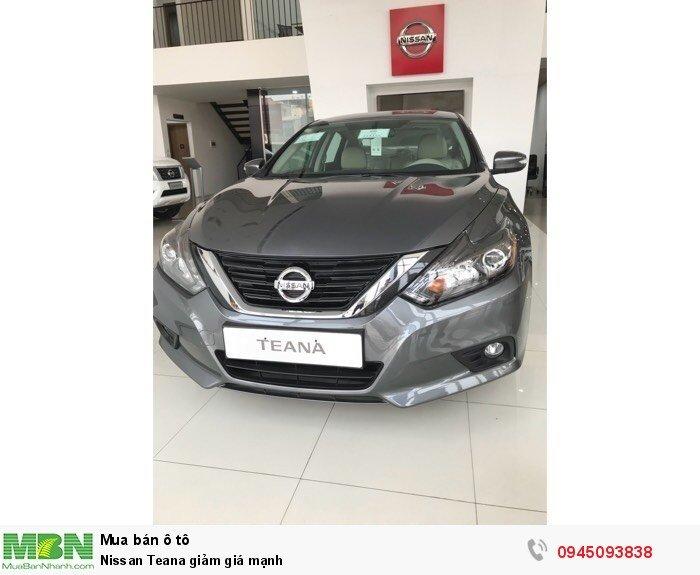Nissan Teana giảm giá mạnh