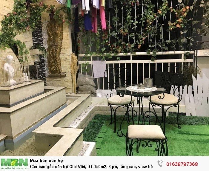 Cần bán gấp căn hộ Giai Việt, DT 150m2, 3 pn, tầng cao, view hồ bơi