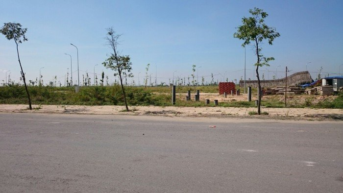 Cần bán đất gần công viên, TTTM khu 4
