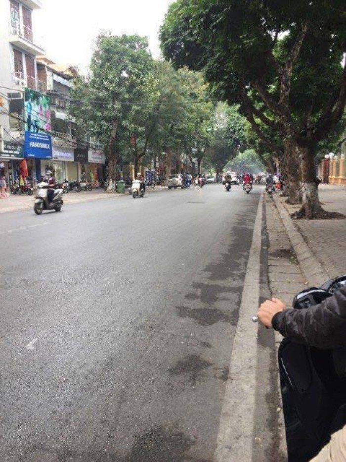 Tôi cần bán nhà mặt phố Trần Phú,Ba Đình,Hà Nội 40m2x4 tầng, giá 19.5 tỷ