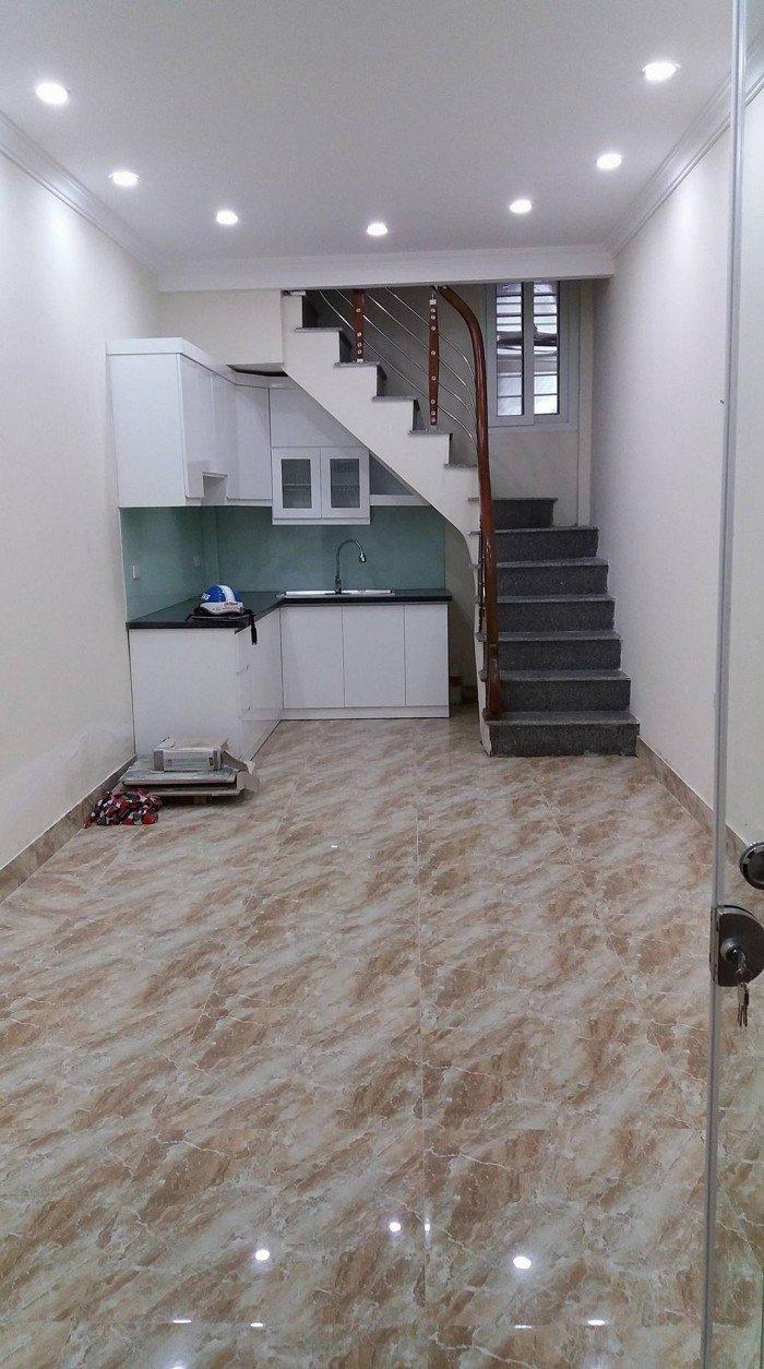 Cần bán nhà 5 tầng cực đẹp, giá 2,3 tỷ ngõ 395 Trần Khát Chân, gần hồ Võ Thị Sáu