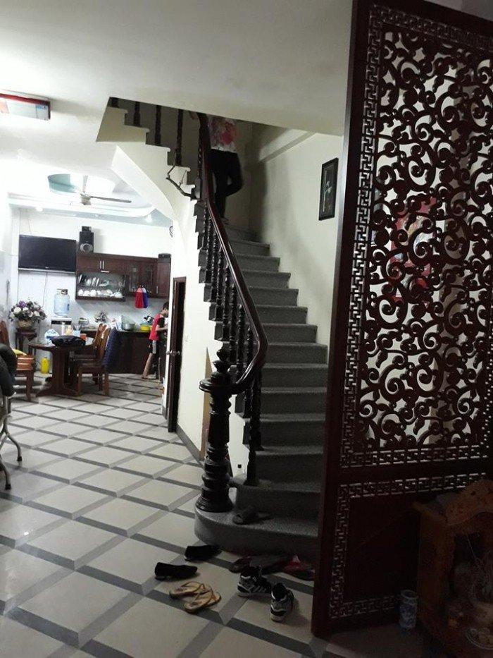 Bán nhà phố Khương Trung, DT45 m2, 4T, KD tốt, oto đỗ cửa