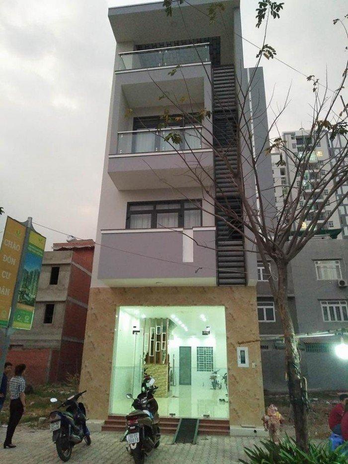 Nhà bán 1t 3l mt Him Lam Phú Đông , Linh Đông