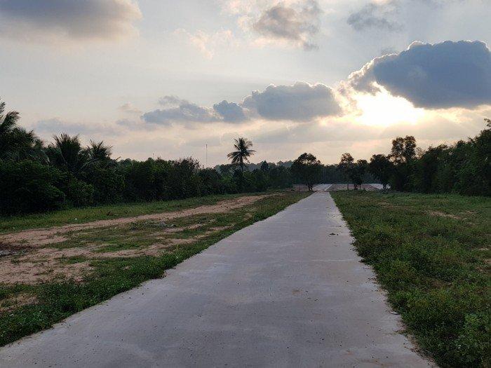 Bán 500m2 đất gần bãi tắm Ông LangCơ sở hạ tầng hoàn thiện