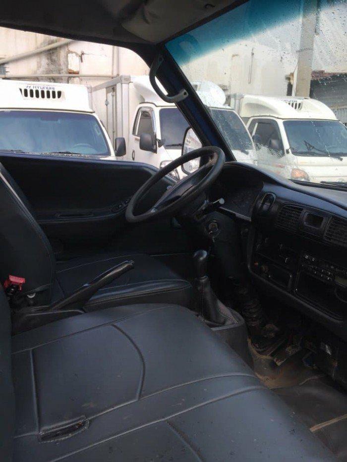 Bán xe tải hyundai H100 thùng kín, xe đời 2006, có máy lạnh theo xe, xe vỏ 75%