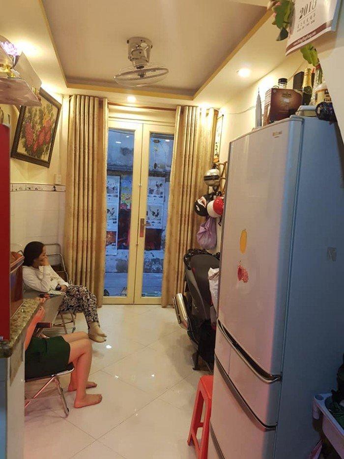Nhà 1 lầu, hẻm đẹp 3m, ngay Đỗ Tấn Phong,phường 9 Phú Nhuận.