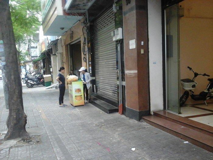 Cho thuê mặt bằng MT Phan Văn Trị, Quận 5. DT: 3x12m