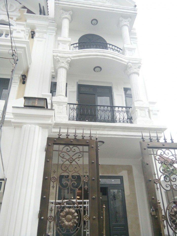 Nhà riêng 1 trệt 3 lầu gồm 4 phòng ngủ 5 WC có sân thượng