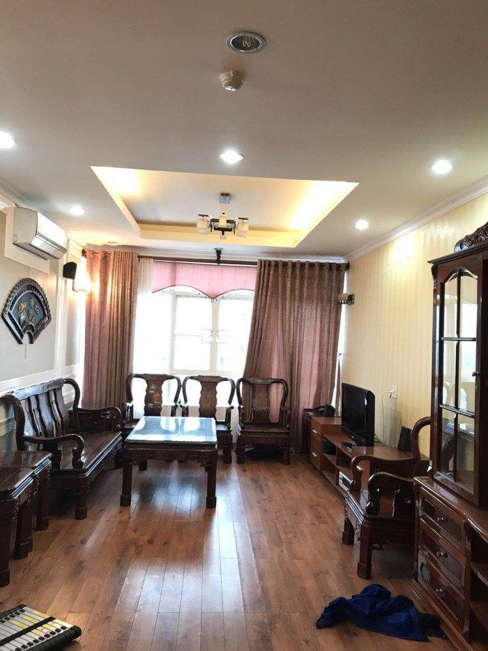 Cần bán gấp căn hộ Topaz City Q8, căn góc 70m2, 2 pn.