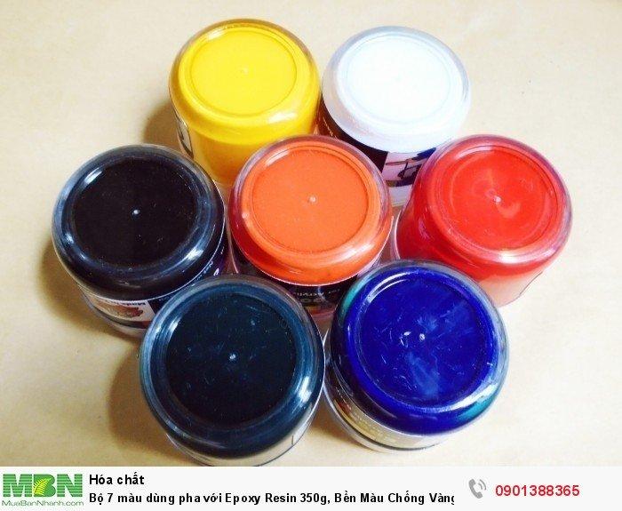 Cách sử dụng:  Cho màu vào nhựa rồi khuấy nhẹ đầu, hoặc vẽ hình theo ý thích. Cho từ tù lượng nhỏ màu vào đến khi nhựa có màu đậm nhạt theo yêu cầu. Các loại màu epoxy có thể pha được với nhau. Màu Epoxy là màu công nghiệp đậm đặc nên khi pha chỉ nên cho một lượng rất nhỏ vì khả năng tạo màu rất cao.  Trọng lượng: 50g /1 lọ1