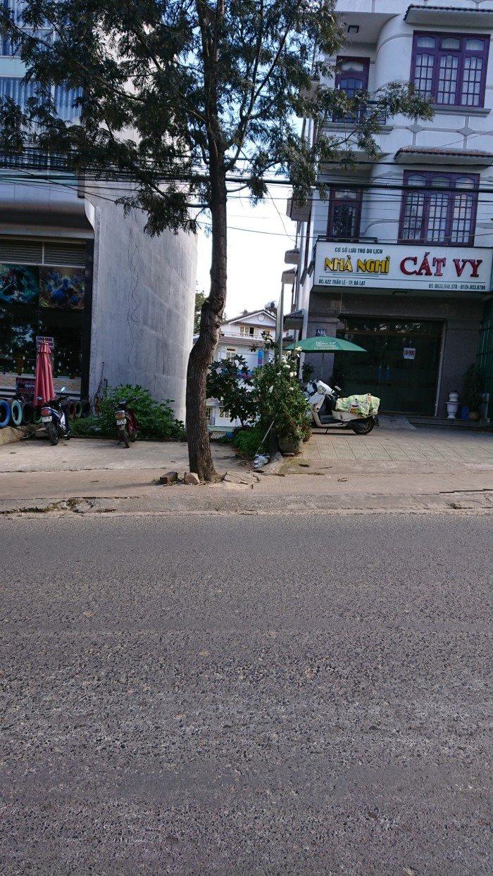 Cần bán khách sạn đang kinh đoanh mặt tiền đường Phan Như Thạch , phường 1 , Đà lạt