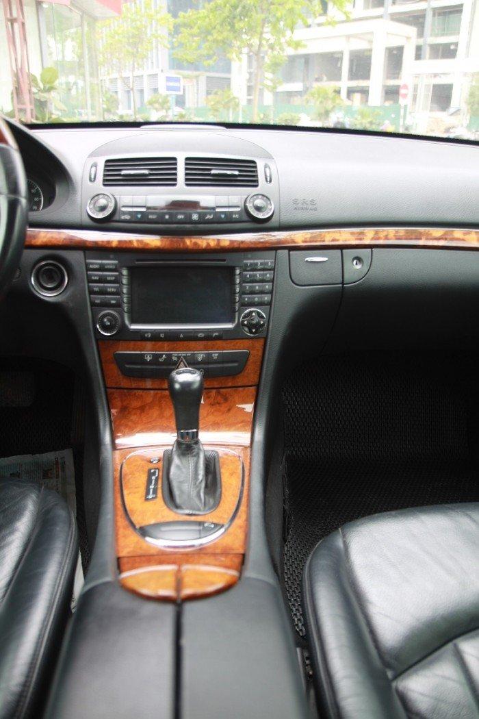 Mercedes-Benz E280 sản xuất năm 2006 Số tự động Động cơ Xăng