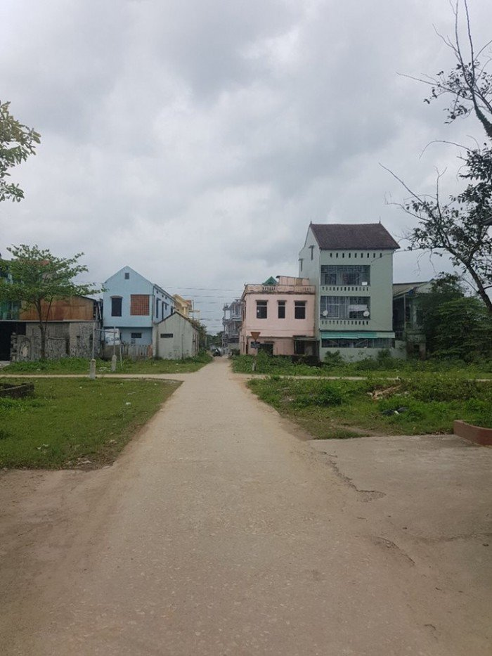 Cần bán đất Kiệt 210 Phạm Văn Đồng,Tp Huế