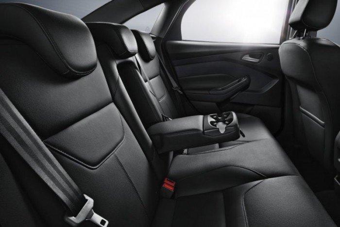 Ford Focus 2018, liên hệ ngay để nhận giá đặc biệt, xe đủ màu giao ngay