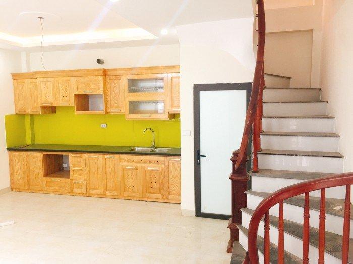 Nhà đẹp oto đỗ cửa, Phan Đình Giót,  có chỗ để oto ngày đêm (37m2*4 tầng*4PN.)