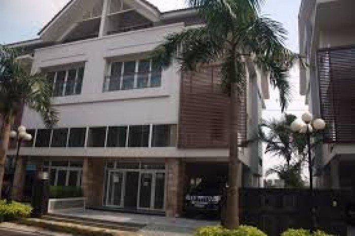 Chú Tuấn định cư Mỹ, bán Biệt Thự Ngân Long 210m2  mặt tiền Nguyễn Hữu Thọ