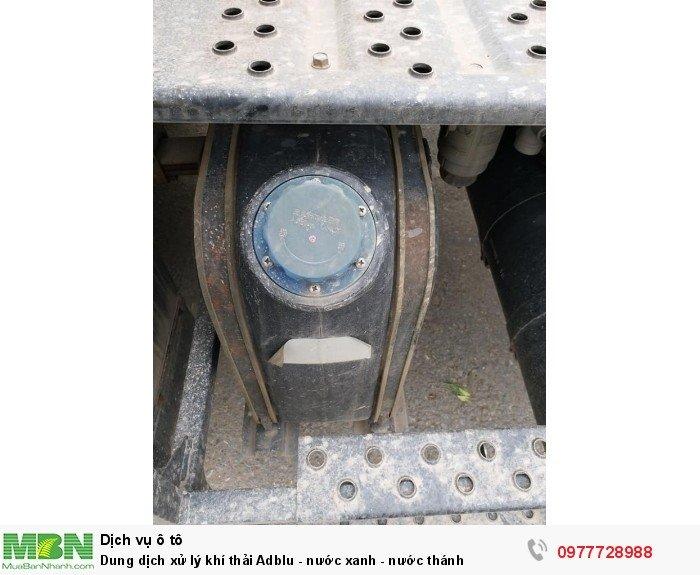 Dung dịch xử lý khí thải Adblu - nước xanh - nước thánh