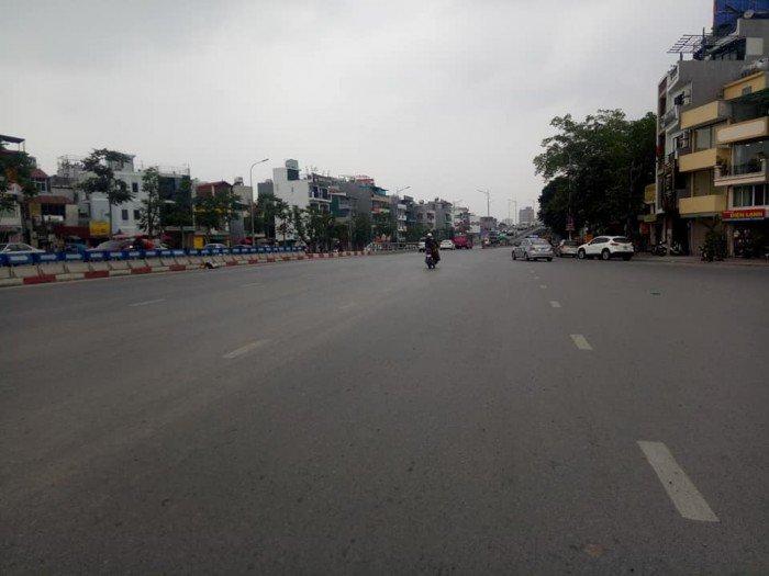 Bán  nhà mặt phố Trần Khát Chân, HBT, 31m2, lô góc, chỉ 7.9 tỷ