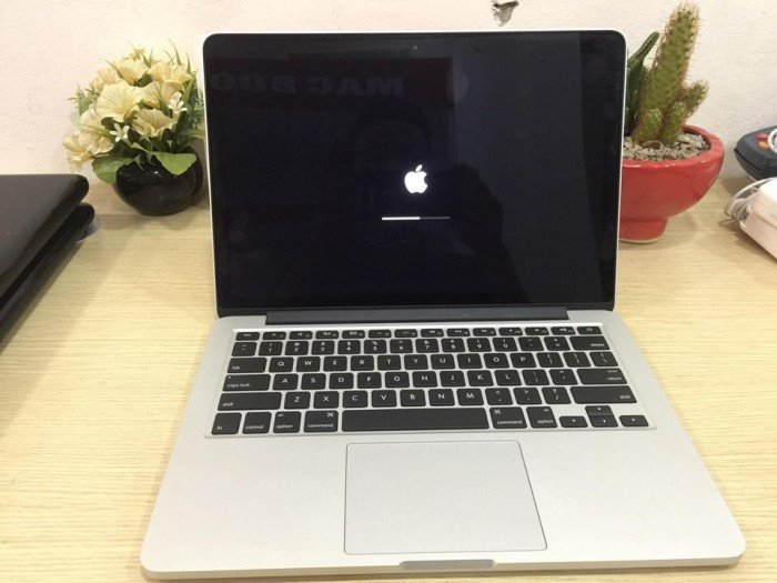 MF841 – Macbook Pro Retina 13 inch 2015 – Like new3