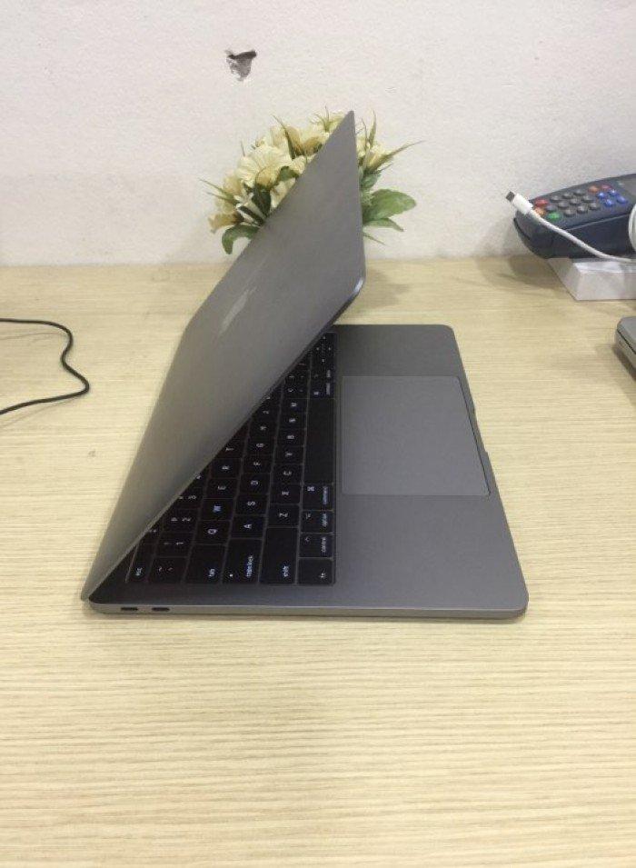 MacBook Pro MPXT2 13.3-inch 2.3GHz Dual-core i5, 256GB Storage0