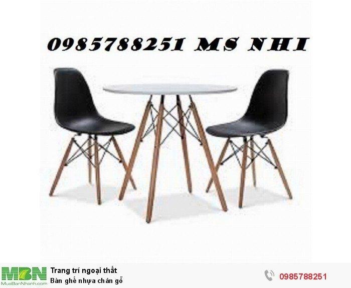Bàn ghế nhựa chân gỗ1