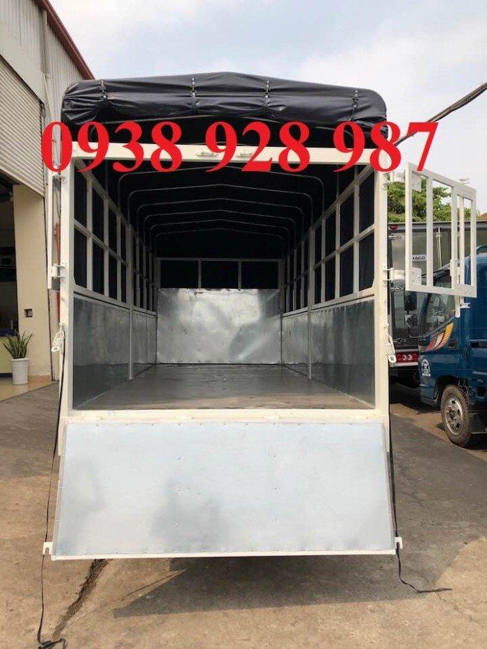 Bán xe tải Mitsubishi Fuso Canter 4.7 thùng mui bạt tải trọng 1.9 tấn ở TP. Hồ Chí Minh 1