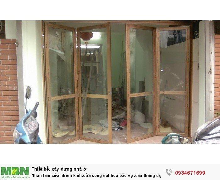 Nhận làm cửa nhôm kính, cửa cổng sắt hoa bảo vệ, cầu thang đẹp nhiều kiểu dáng