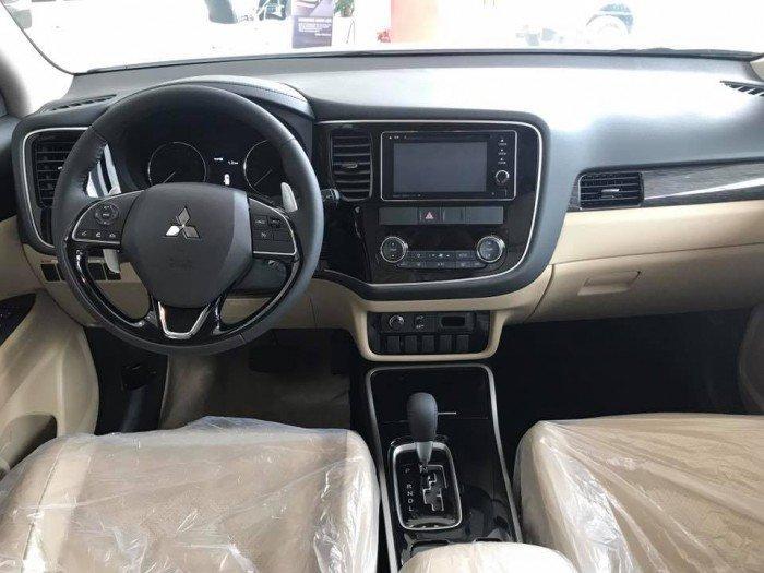 Cần bán Mitsubishi Outlander 2.4 CVT 2018, màu đen có bán trả góp liên hệ