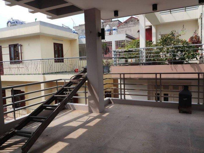 Bán nhà Nguyễn Khang 56m2, 5 tầng, lô góc