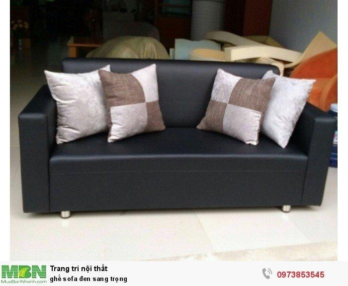 ghế sofa đen sang trọng1