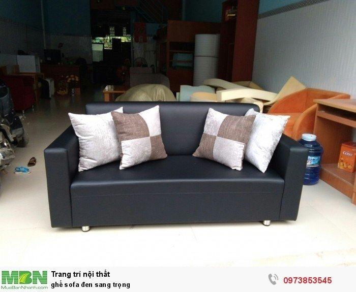 ghế sofa đen sang trọng0