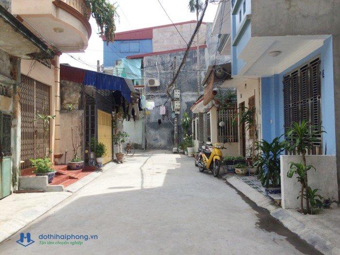 Chính chủ muốn bán căn nhà 2.5 tầng mới xây DT:31m2 MT3.46m nở hậu với giá rẻ