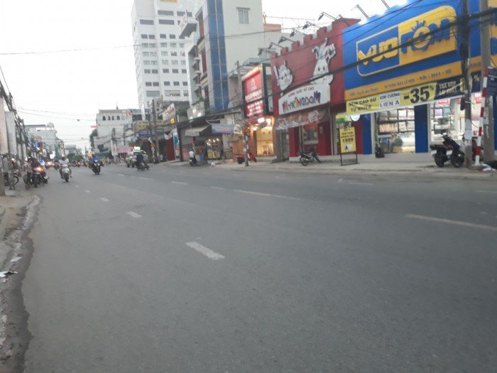 Siêu mặt tiền đường Phạm Văn Thuận sát bên Vincom dt 308m2