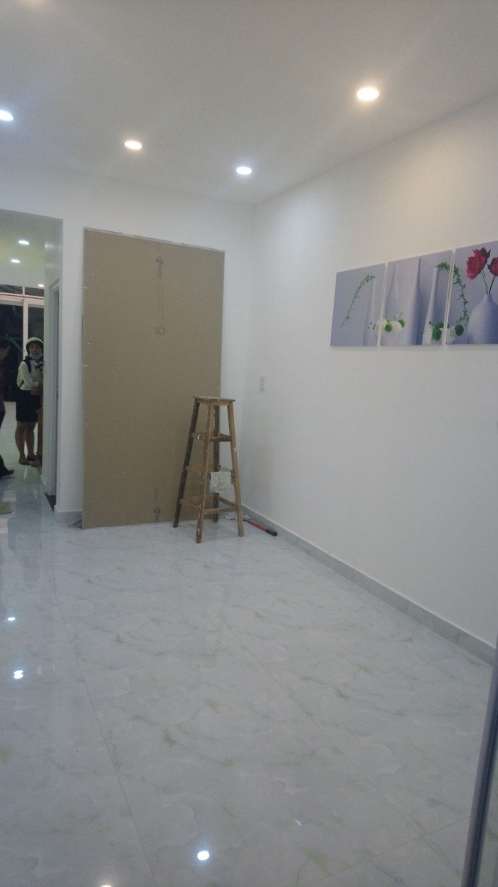 Chính chủ xoay vốn kinh doanh cần bán gấp nhà Ni Sư Huỳnh Liên 25m2 2tỷ cực đẹp.