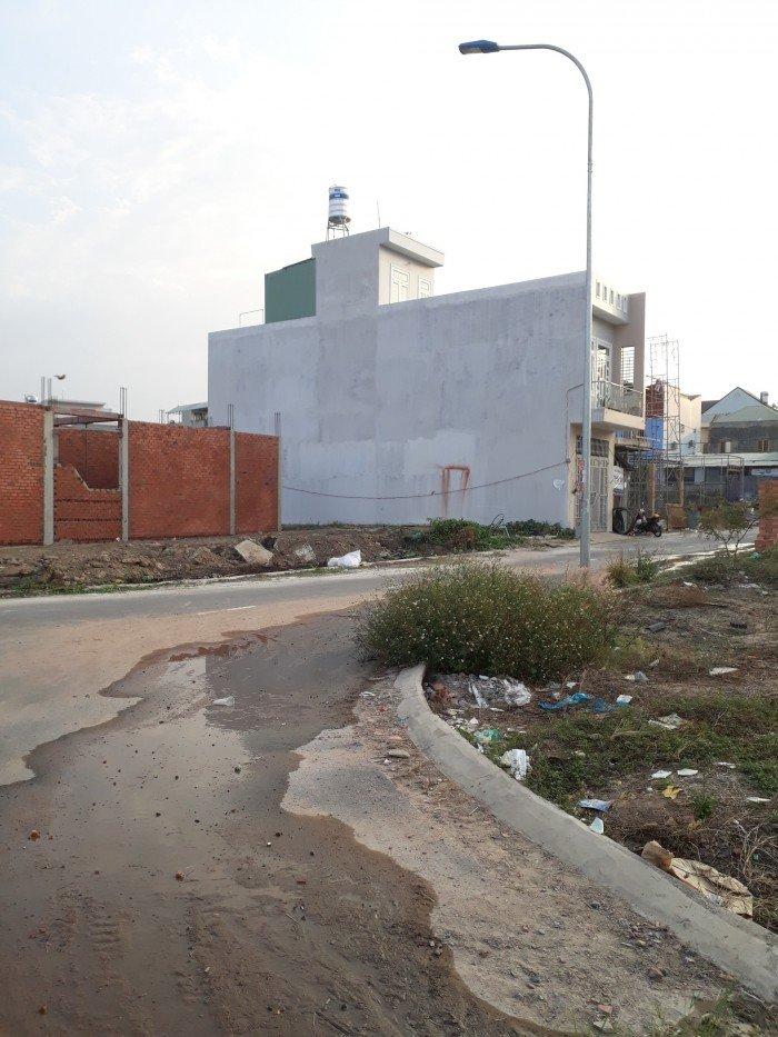 Cần bán lô đất 2 mặt tiền sát bên Chợ Cổng 2 thuộc P. Tân Phong